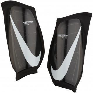 Parastinchi Nike Protegga